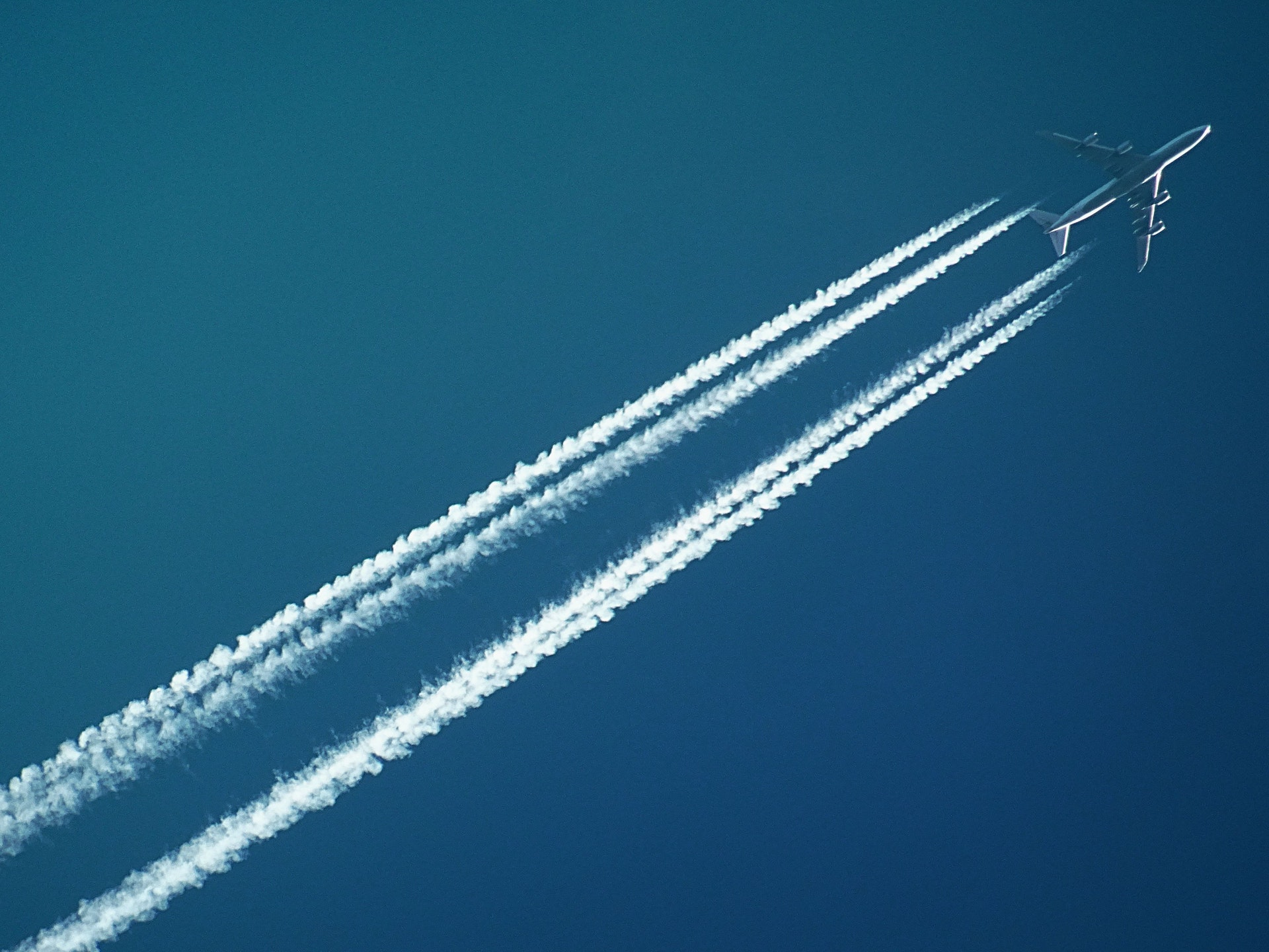Top 5 Lead Generation Tips for Aerospace & Aviation Brands